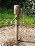 Image for Wasserpumpe auf einem Wasserspielplatz - Hamburg, Deutschland
