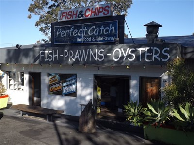 Look towards Nowra, and you will see this Seafood outlet, which has great chips. 1702, Sunday, 1 October, 2017