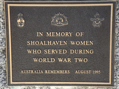 The Service of Women in WW2 Commemorative plaque.1129, Sunday, 1 October, 2017