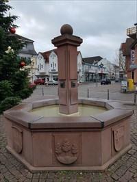 Stadtbrunnen in Ober-Roden - 2