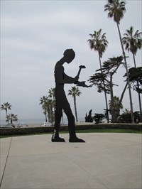 Hammering Man at 3,110,527, La Jolla, CA