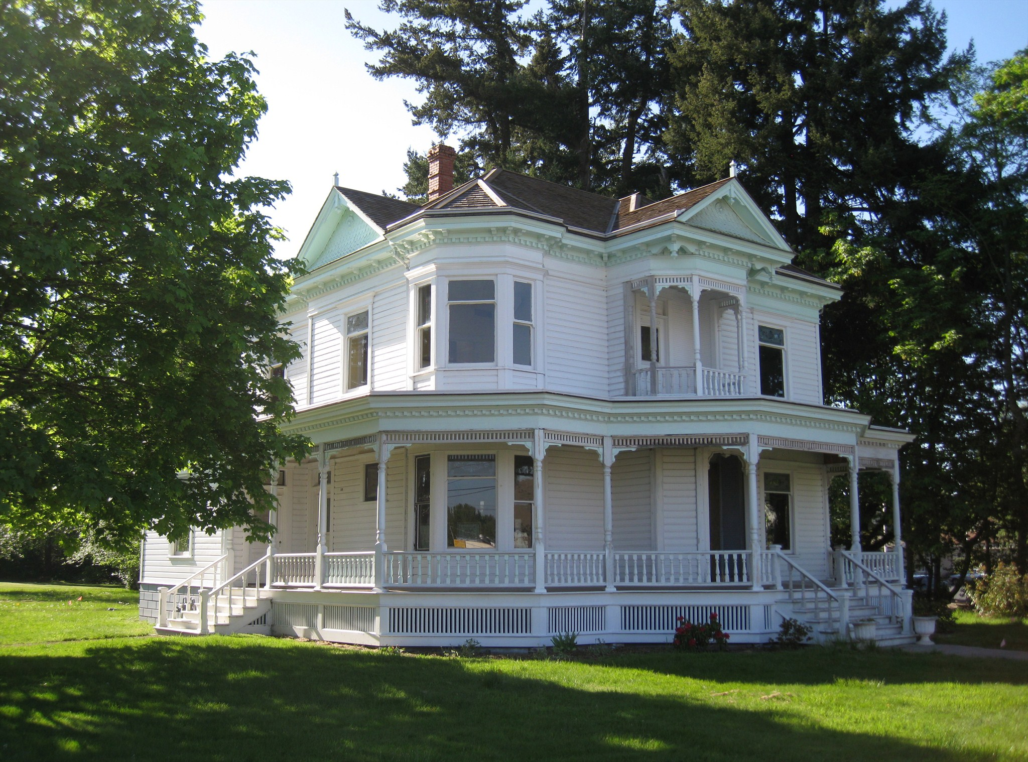 Charles and martha brown house stayton oregon for Victorian house