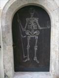 Image for Sensenmann am Tor einer Friedhofskapelle, Reith im Alpbachtal, Tirol, Austria