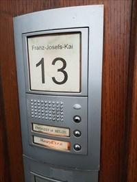 Botschaft Belize in Wien - Klingelschild