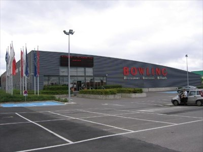 plaza bowling saint maximin france bowling centres on. Black Bedroom Furniture Sets. Home Design Ideas