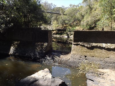The breached wall of the Weir (1998), to allow Australian bass upstream.1503, Sunday, 1 October, 2017