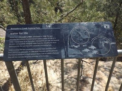 Close up of the History Sign, above the Bomaderry Weir, explaining why it is like it is.1457, Sunday, 1 October, 2017