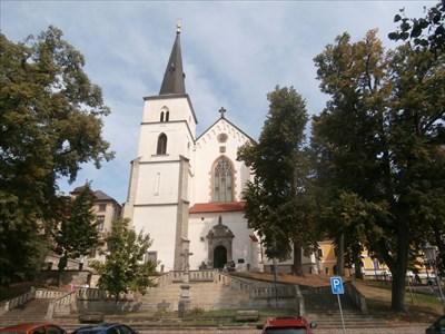 Kríž u kostela Povýšení Sv. Kríže