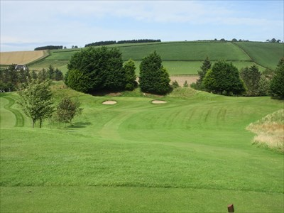 The lengthy par 3 fourth hole, with the other green to the right which plays as the 13th hole.