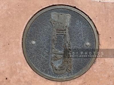 Golf bag medallion detail