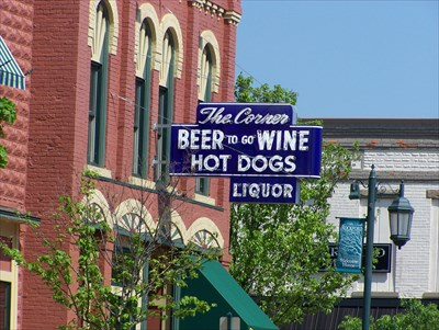 The Corner Bar Rockford Mi Independent Hot Dog Restaurants On