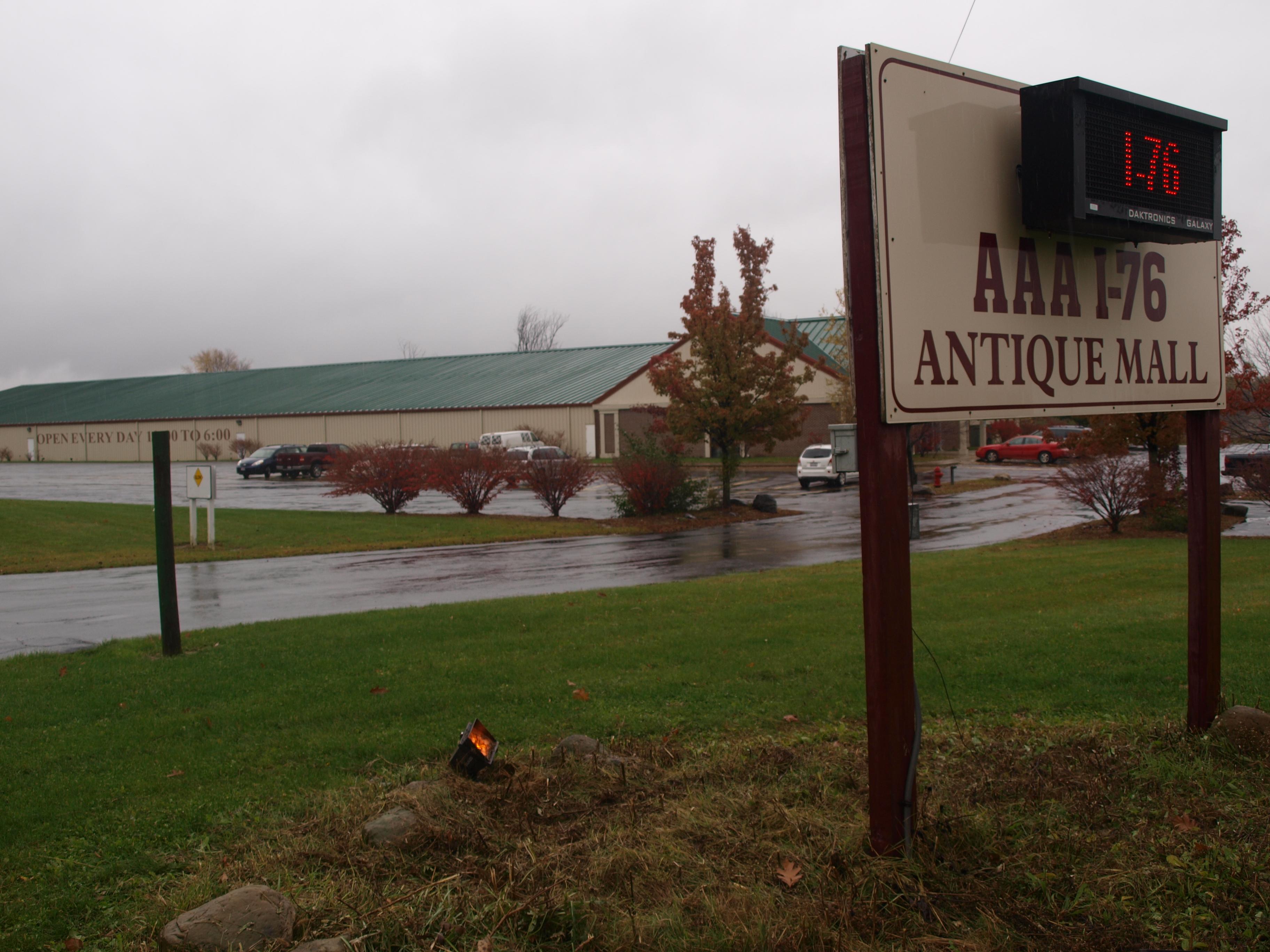 i 76 antique mall AAA I 76 Antique Mall   Ravenna, Ohio Image i 76 antique mall