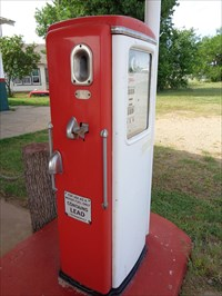 veritas vita visited Pair of Texaco gas pumps