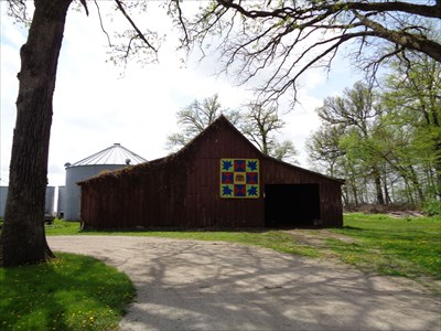Maple Leaf - Barn Quilt - Funks Grove,