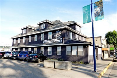 Quesnel Hotel