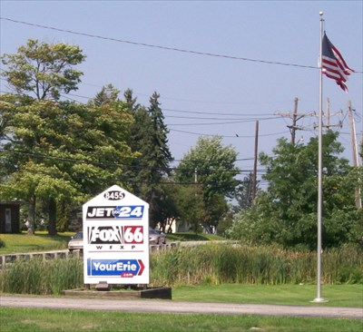 Jet 24 Sign & Flagpole