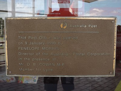 The plaque for the opening of this Post Office.