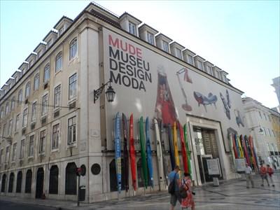 Design and fashion museum lisbon 69