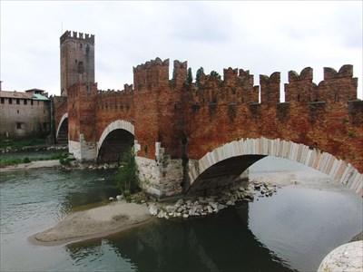 = Ponte di Castel Vecchio