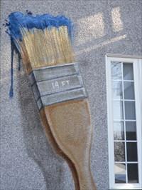 Pinceau et peinture bleu qui coule 14 pied.  Brush and blue paint flowing 14 feet.