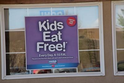i hop kids eat free