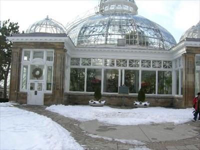Front entrance to Allen Gardens