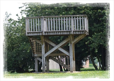 A wooden viewing platform built close to the Memorial allowing visitors to view the battlefield.