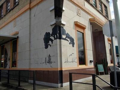 Silhouette Murals - Gladewater, TX - Murals on Waymarking com