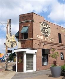 - veritas vita visited Memphis - Chuck Berry -