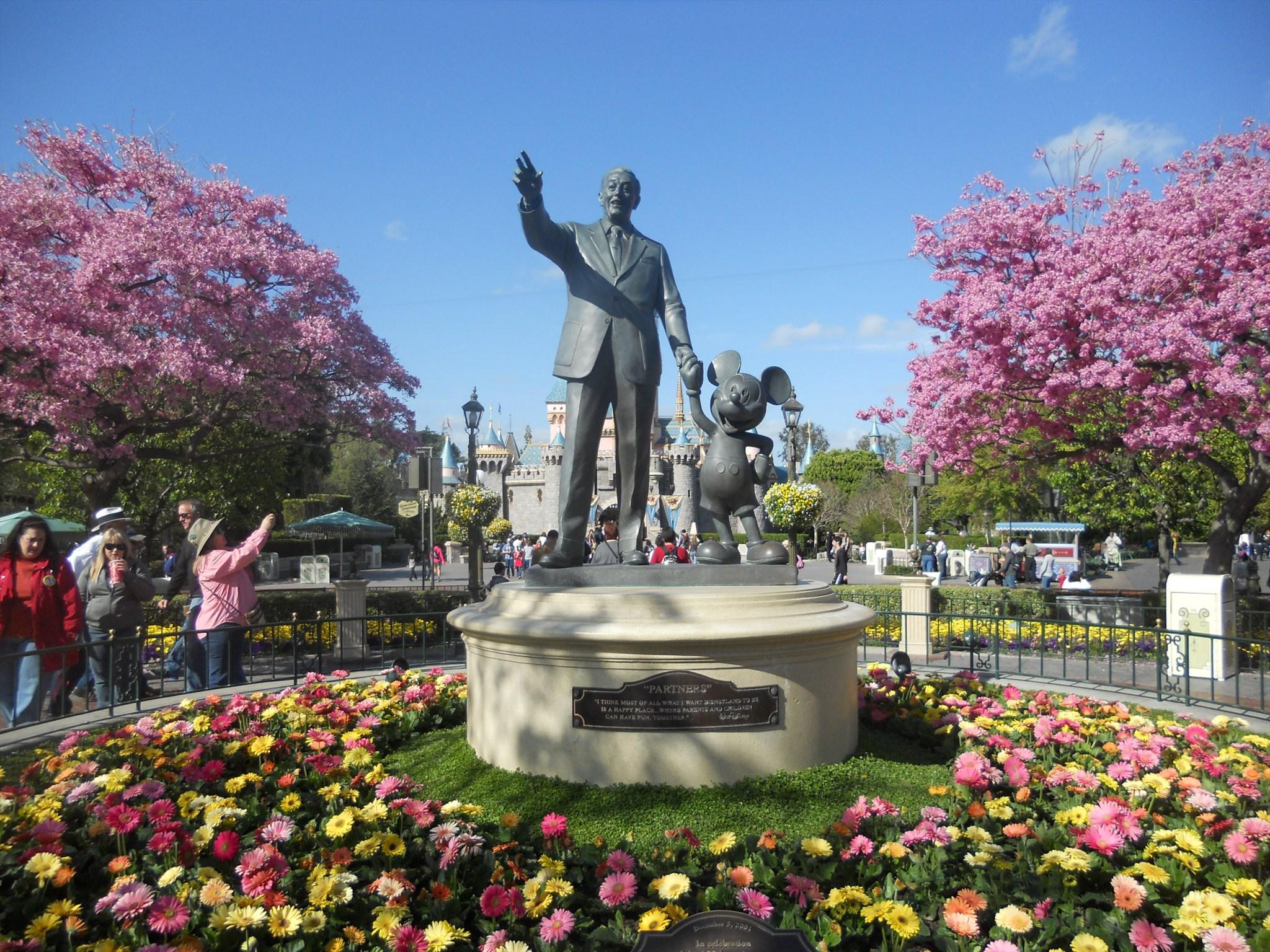 Partners Statue Depicting Walt Disney Mickey