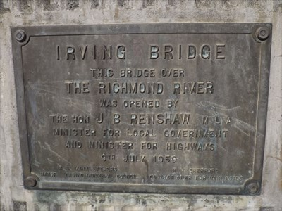 The commemorative plaque for the opening of the bridge.