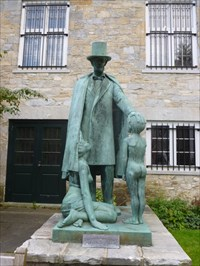 Bennington, VT - Lincoln with Dumb Hat and Nude Boy