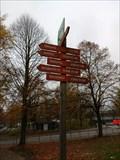 Image for Entfernungspfeile vor der Eissporthalle Farmsen - Hamburg, Deutschland