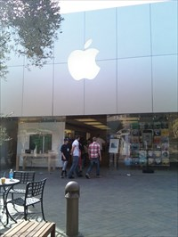 Vintage Faire, Modesto, CA, Apple