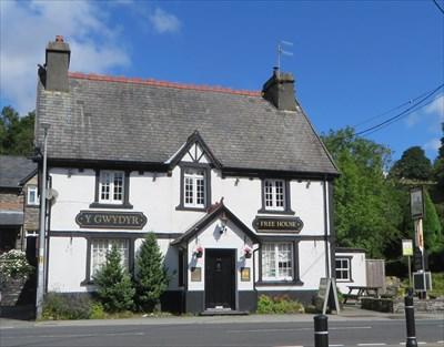 Y Gwydyr - Pub Sign - Dolwyddelan