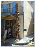 Image for Le totem de la librairie - Banon, France