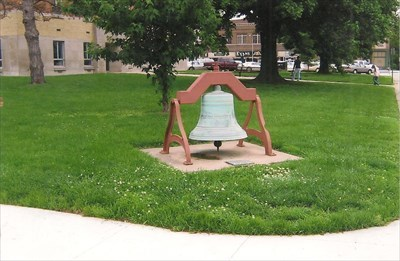 This bell was NEVER installed in the tower. A school bell was installed 1 year after this was purchased...it has been on this lawn ever since.