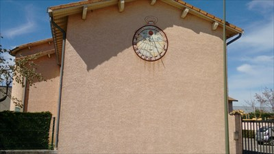 Location on wall
