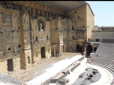 Le théâtre antique d'Orange est en plein préparatifs !