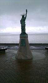 Statue of Liberty Plaza, Alki Point ... Washington