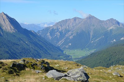 View downhill towards Sterzing via the Pfitscher Valley.