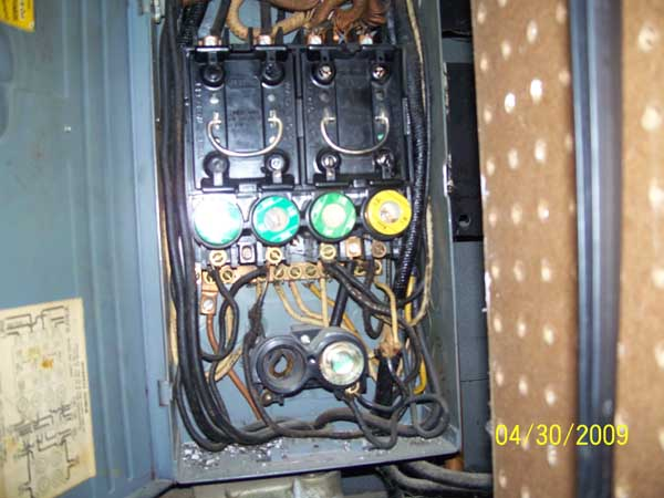 a745b824 e122 4697 8328 7d9a0039631b fuse box 60 Amp Fuse Box Wiring at love-stories.co