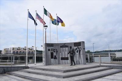 JFK sculpture unveiled