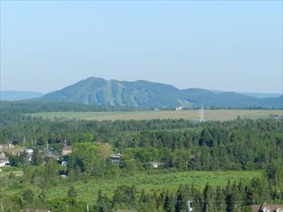 Vue du mont Orignal - prise à partir du toit du Sanatorium Bégin!
