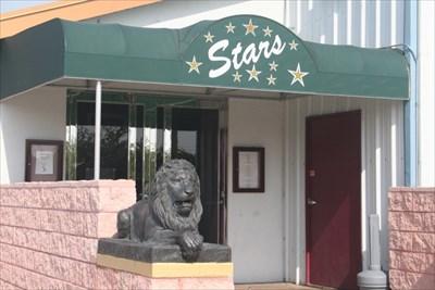 Stars Restaurant Lions Port Charlotte Fl Lion Statues