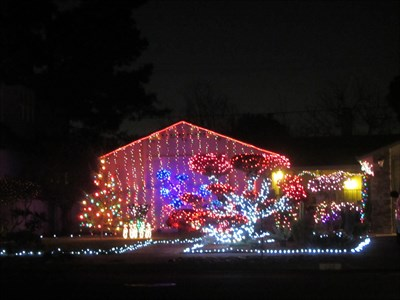 San Jose Christmas Lights.Glen Eyrie Ave Colorful House San Jose Ca Holiday