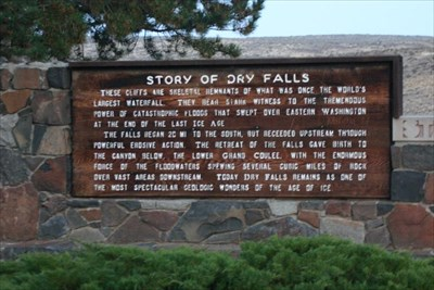 Dry Falls information sign.