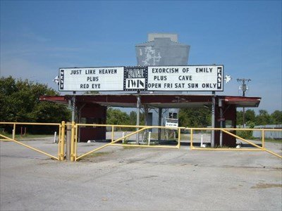 Admiral Twin Drive In Tulsa Ok Movie Theaters On Waymarking