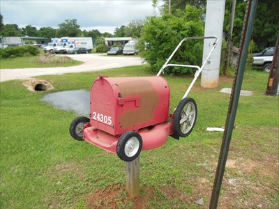Lawn Mower Mailbox - Fairhope, AL - Themed Homemade Mailboxes on
