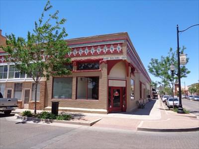 veritas vita visited Navajo County Bank building